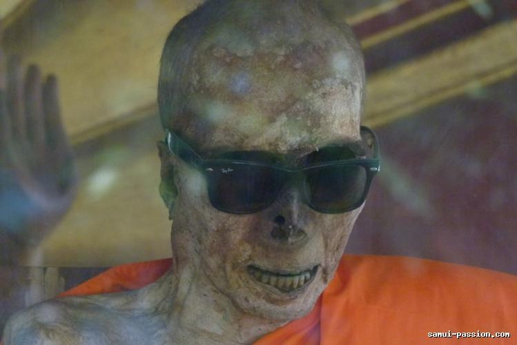 Moines momifiés de Koh Samui